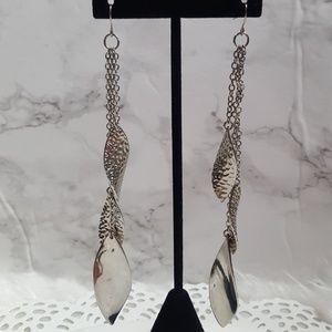 Jewelry - Silver dangle earrings